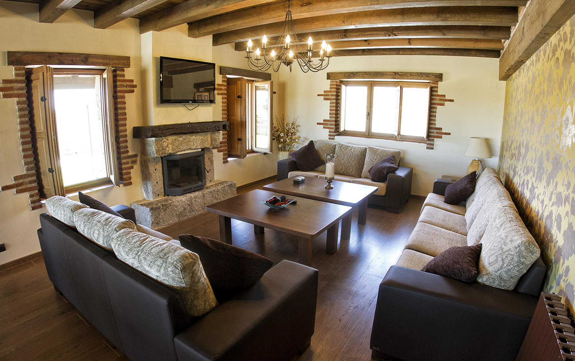 2-salon-sofas.jpg