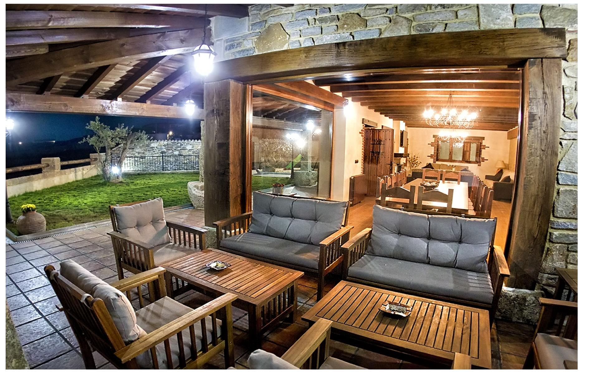 Casa rural ii siega verde casa rural for Decoracion de terrazas de casas